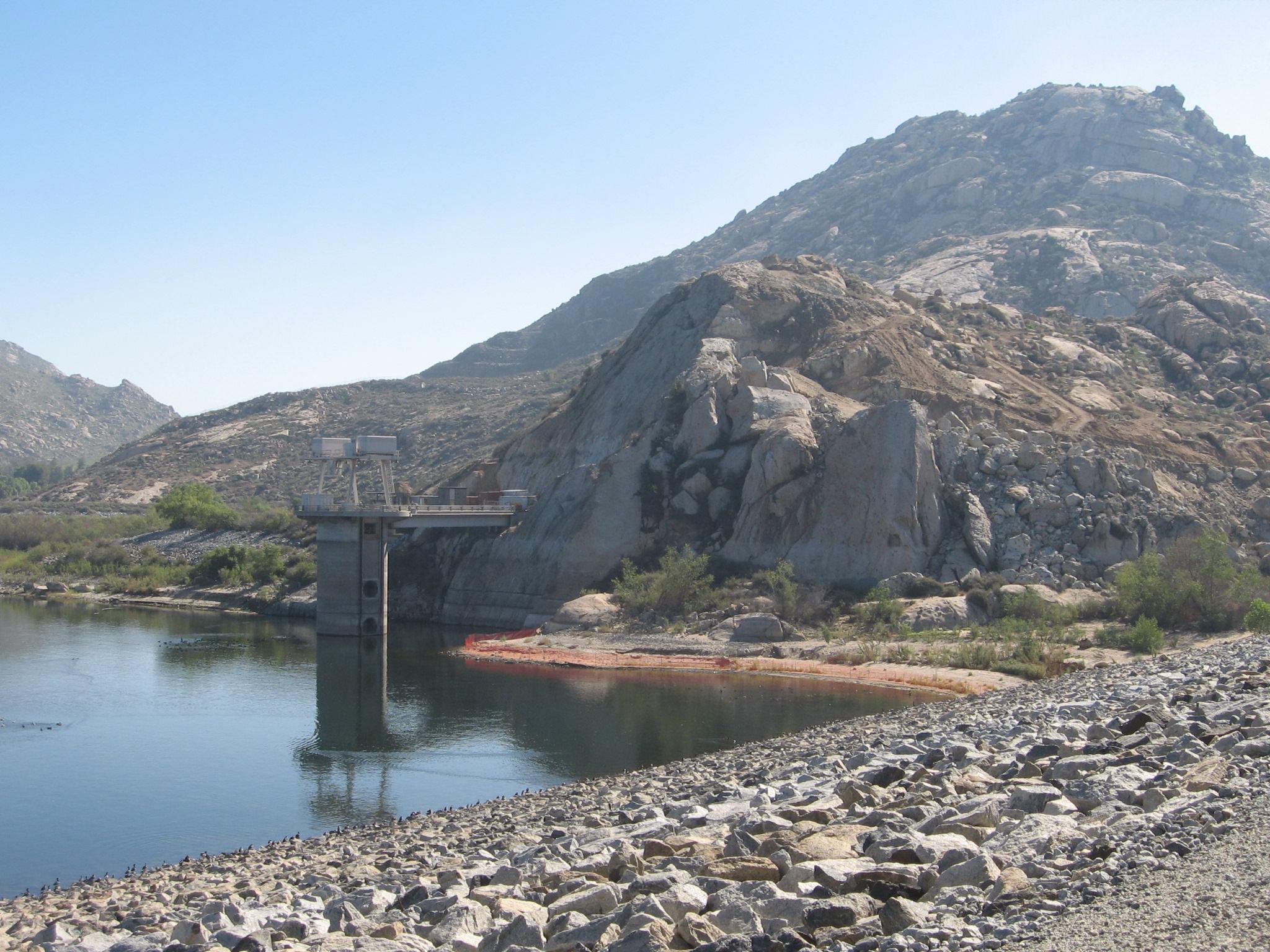 lake-perris-dam-1