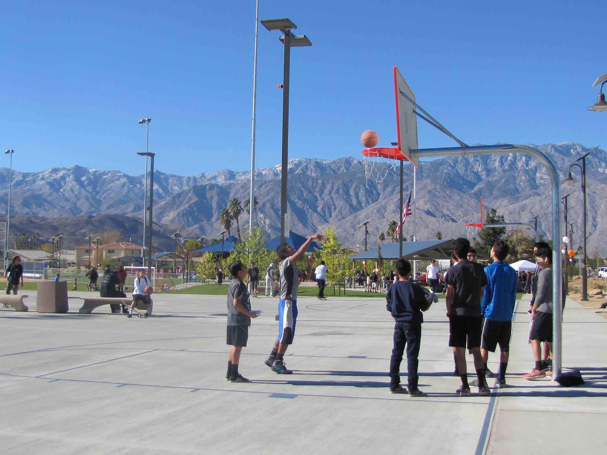 ocotillo-shooting-hoops