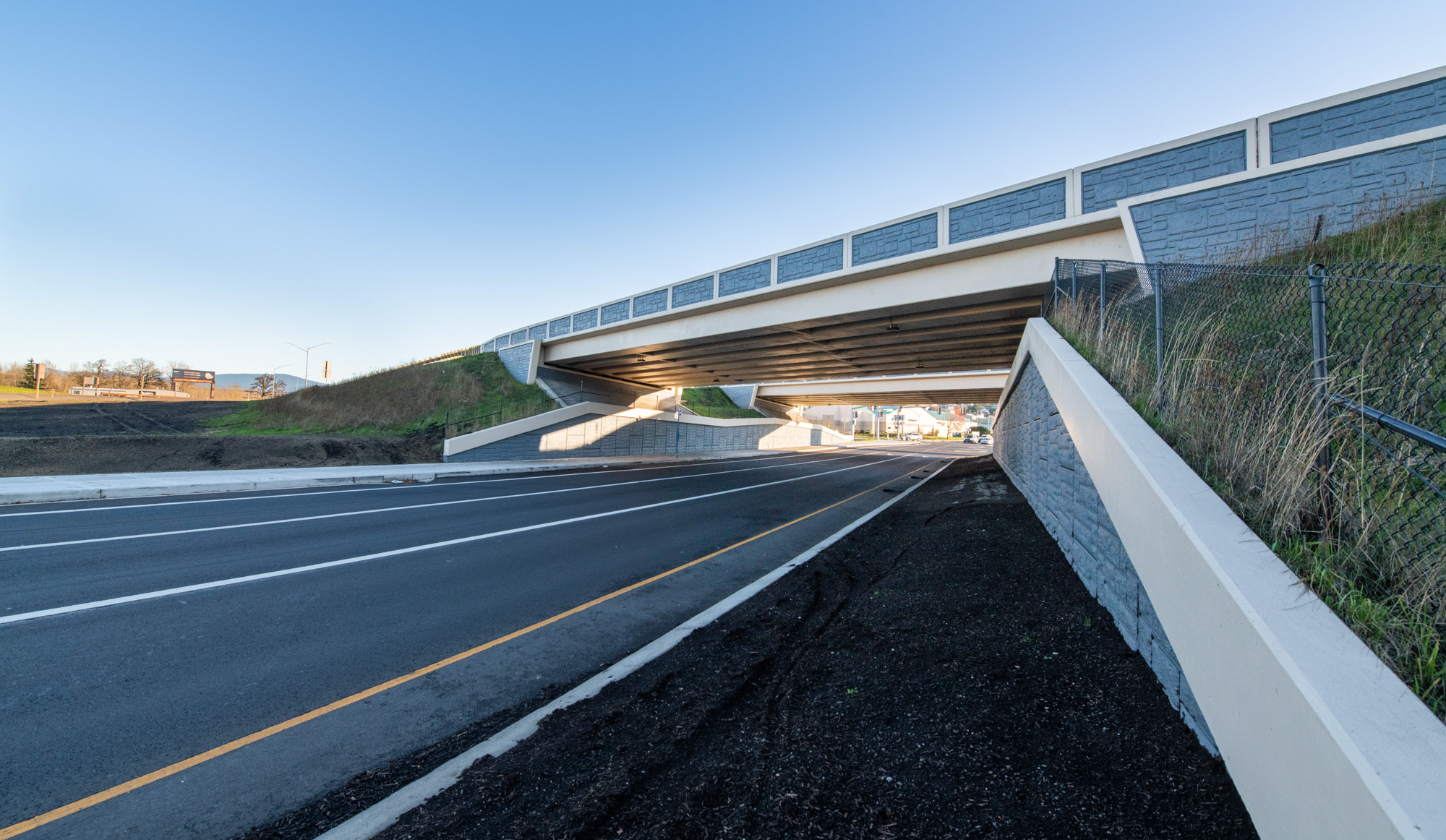 I-84 overpass at Graham Rd
